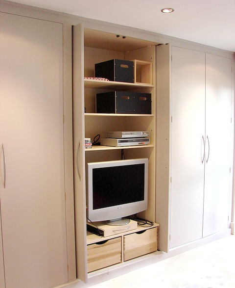 Fitted Wardrobes TheLockDoctors.co.uk